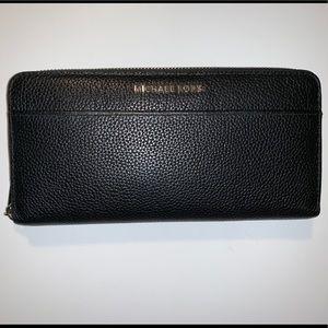 Michael Kors Continental Zip Around Wallet
